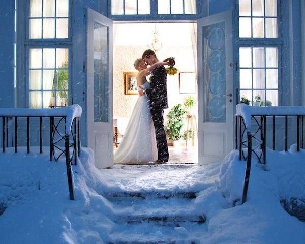 Underholdning i ditt bryllup, med tryllekunstner JonasB Jonasb.no